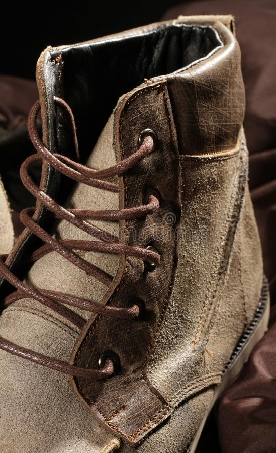 bruna skor arkivfoton