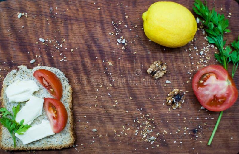 Brunchtijd: gezond en smakelijk voedsel royalty-vrije stock afbeelding