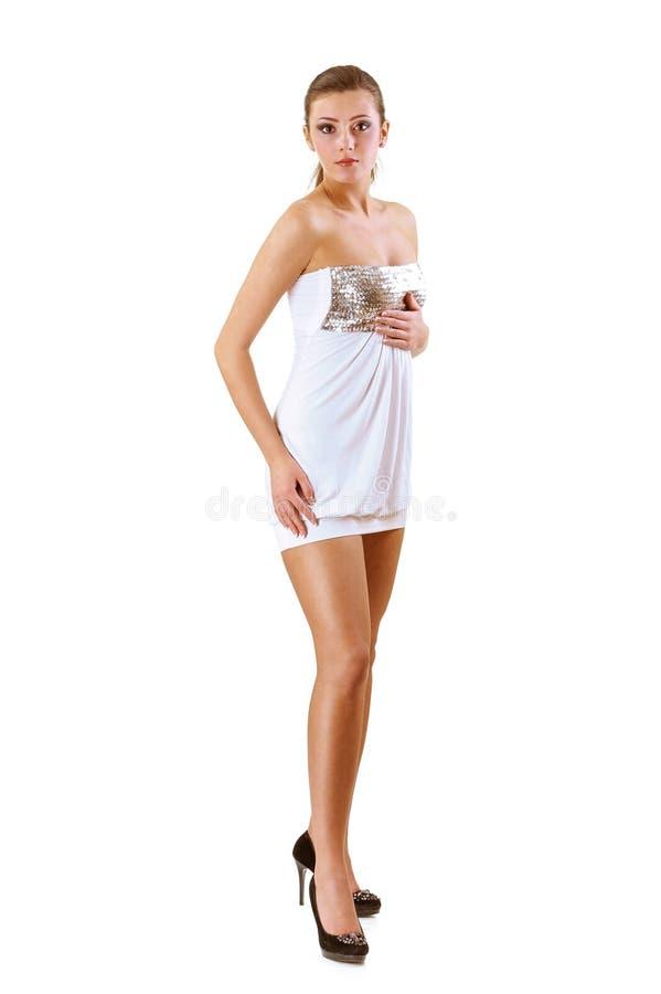 Brune avec du charme dans la robe de soirée photo stock