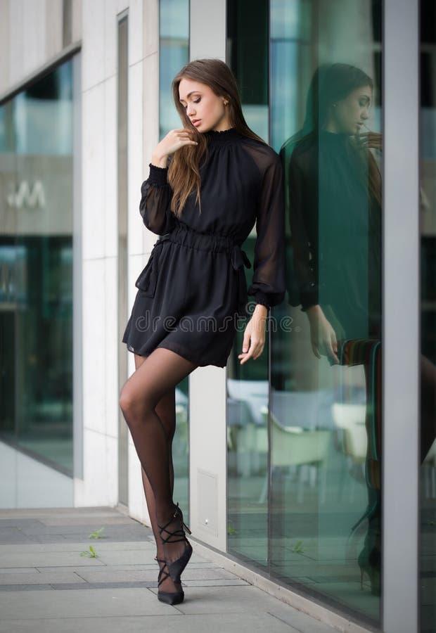 Brune de haute couture images libres de droits