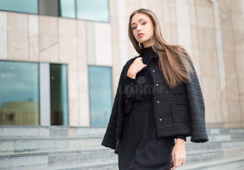 Brune de haute couture photo libre de droits