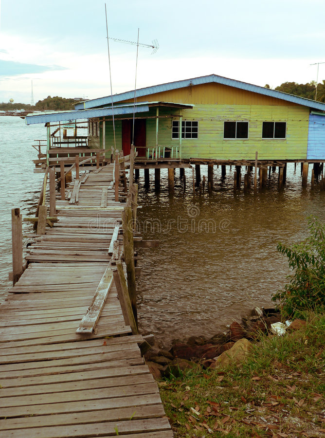 Brunei. Bandar da baixa. HOME típica de Kampung Ayer foto de stock royalty free