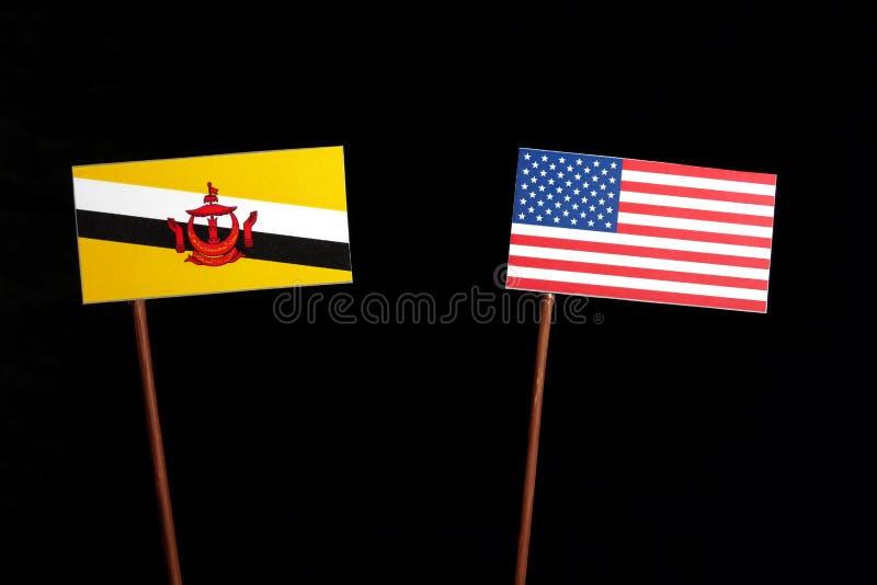 Download Brunei-Flagge Mit USA-Flagge Lokalisiert Auf Schwarzem Stockbild - Bild von freundschaft, global: 96935629