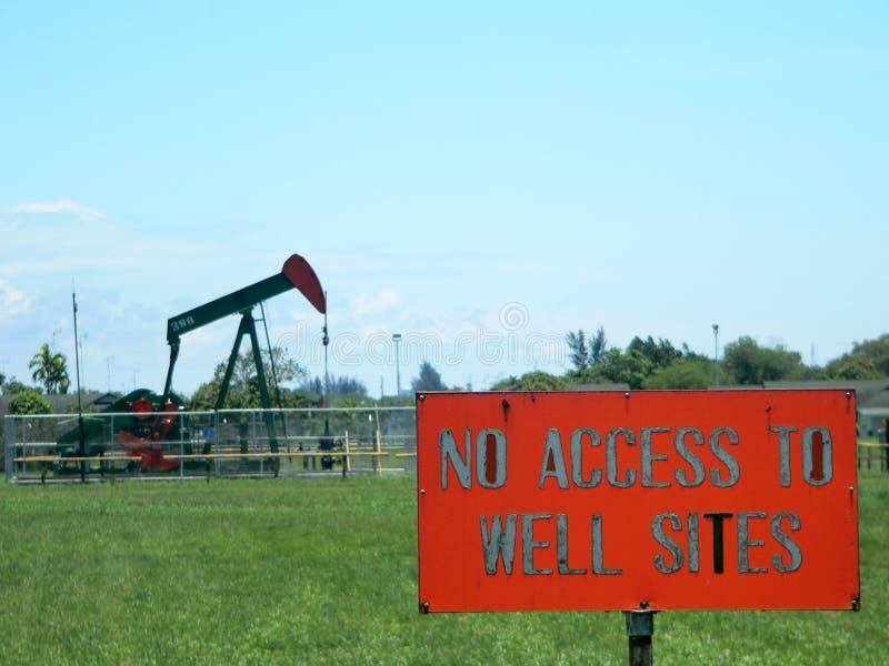 Brunei. Nenhum acesso ao poço de petróleo foto de stock royalty free