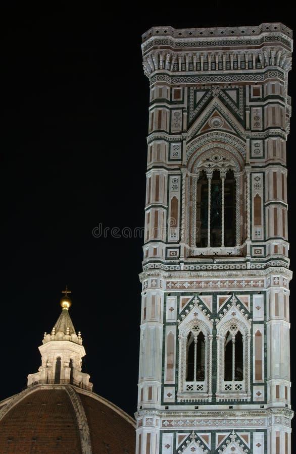 Brunelleschi kupol och Giotto Klocka torn royaltyfri foto