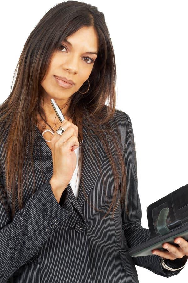 brunetka bizneswomanu piękna pamiętnika gospodarstwa obrazy stock
