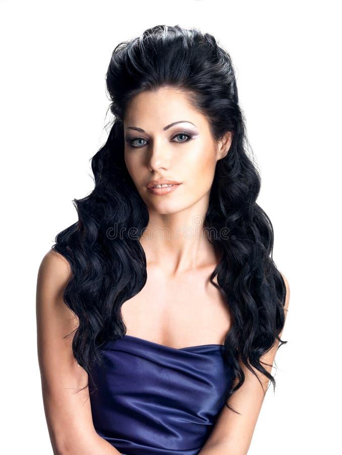 Brunetki kobieta z długą fryzurą zdjęcie stock