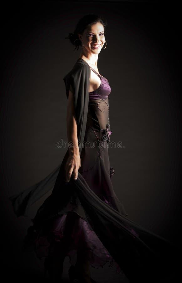 Brunetki kobiety taniec fotografia stock