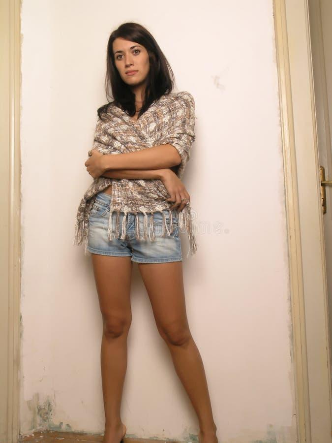 brunetki poważną kobietą zdjęcia stock