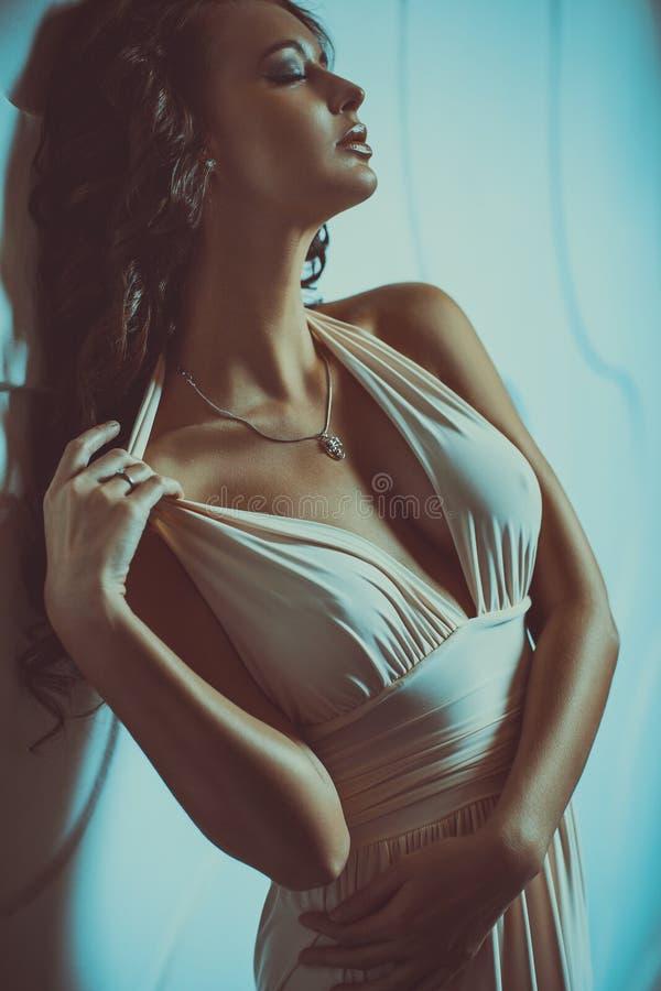 brunetki seksowni kobiety potomstwa zdjęcie stock