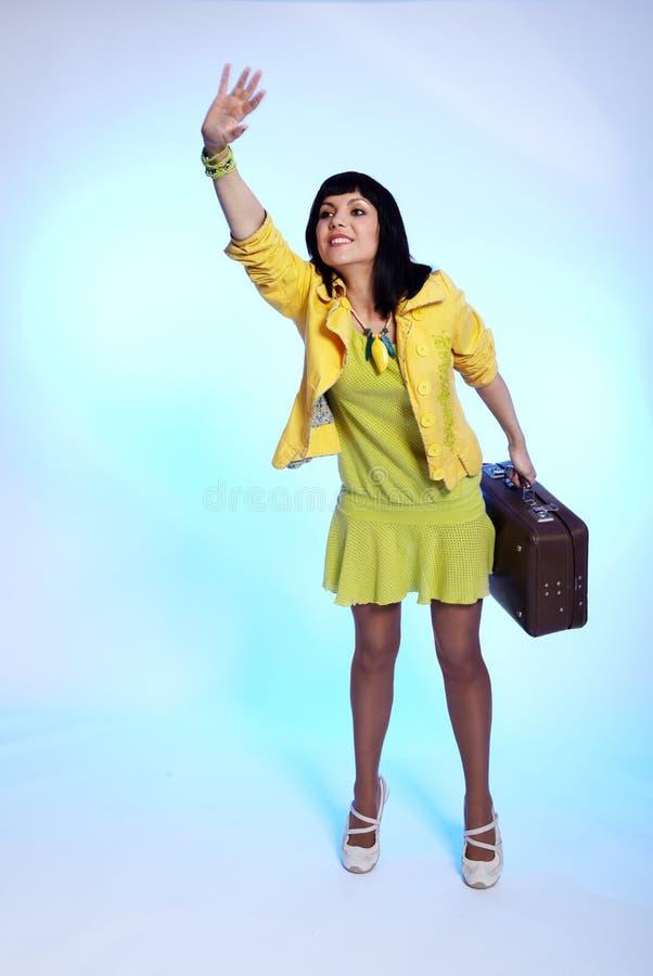brunetki walizki falowanie obrazy royalty free