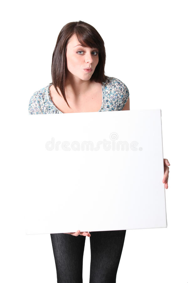 Brunette με το κενό χαρτόνι στοκ εικόνες