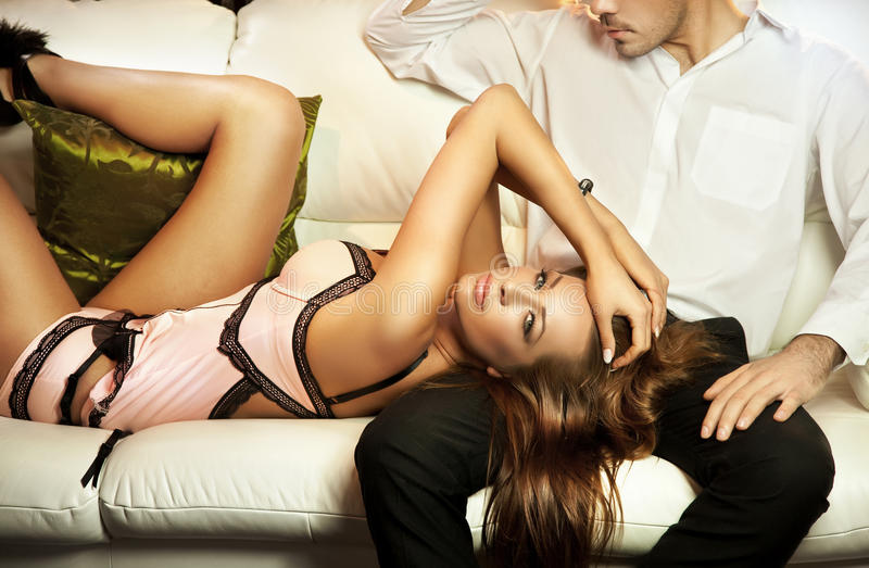 Brunette bonito foto de stock royalty free