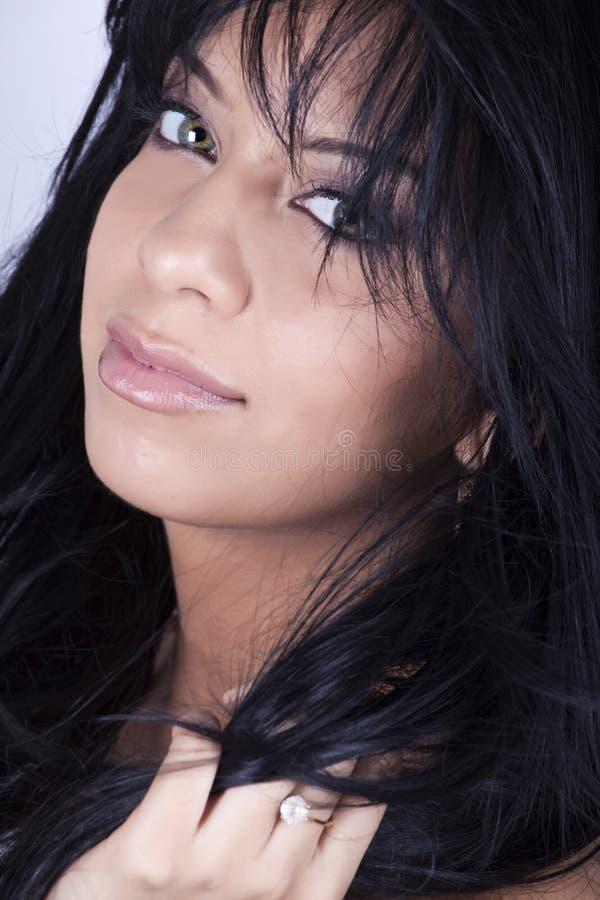 Brunette bonito com olhos verdes fotos de stock royalty free