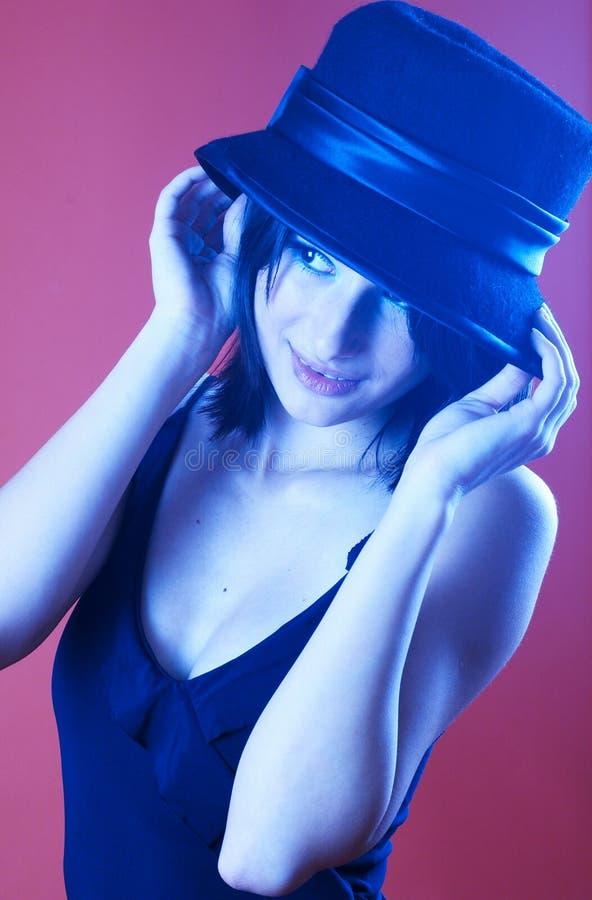 Brunette con el tinte azul fotos de archivo libres de regalías