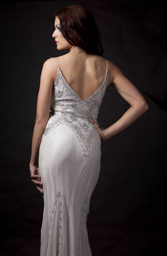 Download Brunette im langen Kleid stockbild. Bild von ausdrücken - 26365335