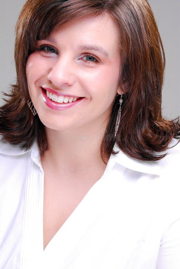 Brunette-junge Frau stockfotografie