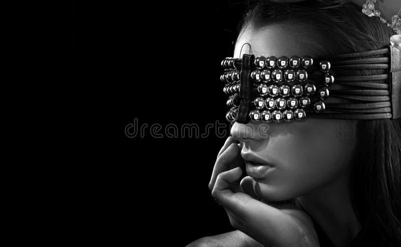 Brunette novo com olhos fechados fotos de stock royalty free