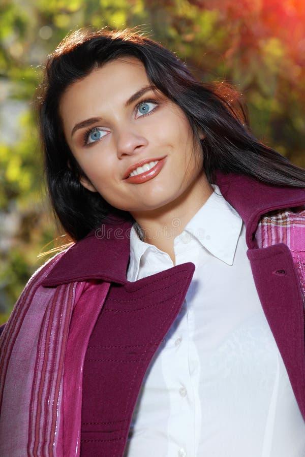 Brunette romântico bonito fotos de stock royalty free