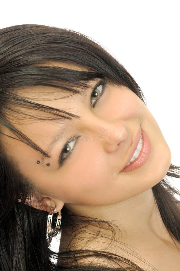 Brunette sonriente atractivo fotos de archivo libres de regalías