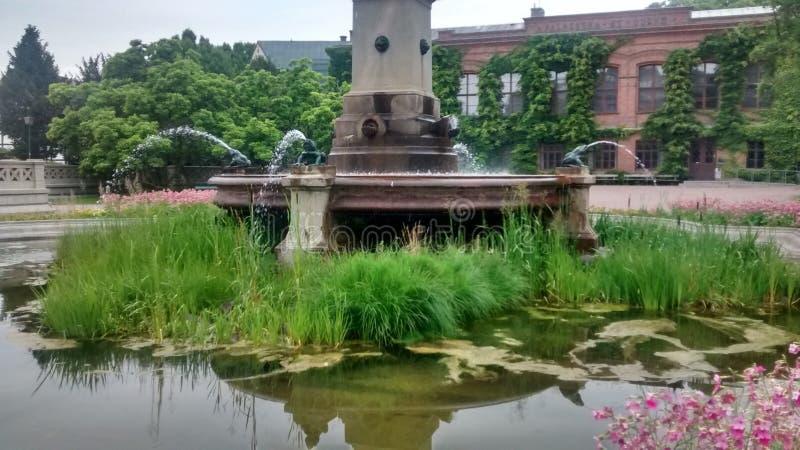 Brunnen lizenzfreies stockfoto