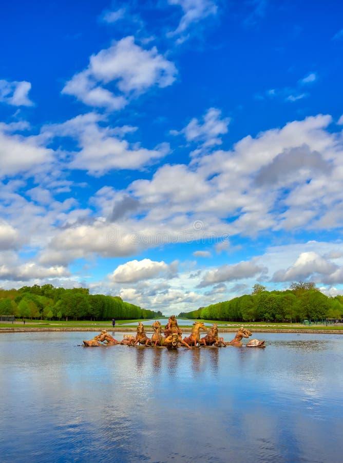Brunnen Apollo im Schloss Versailles in Frankreich stockbilder