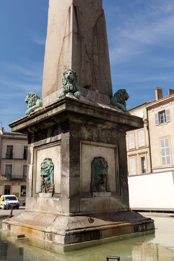 Brunnen bei Place de la Republique in Arles, Frankreich stockfoto