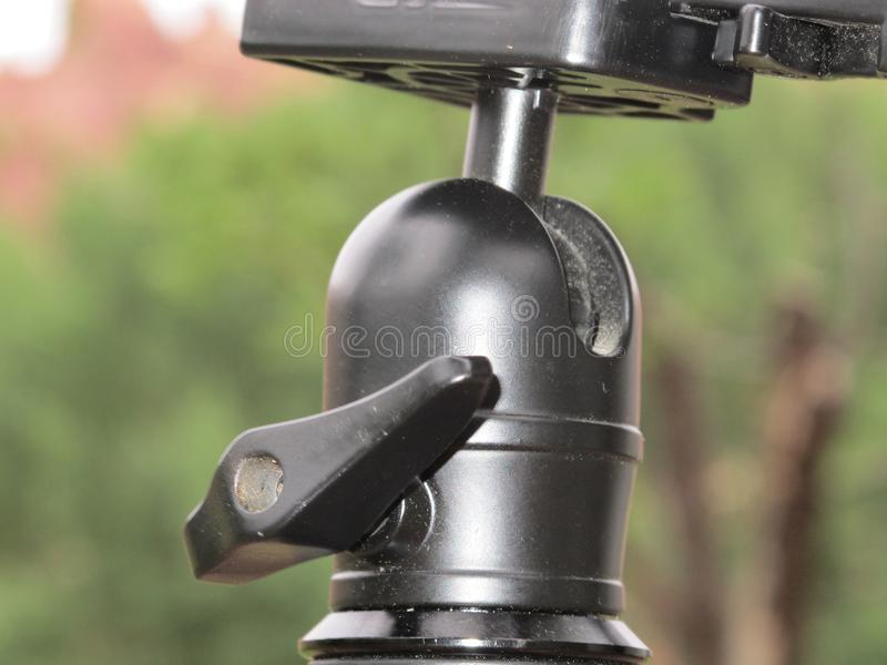 Brunnen benutzter Stativ lizenzfreie stockfotografie