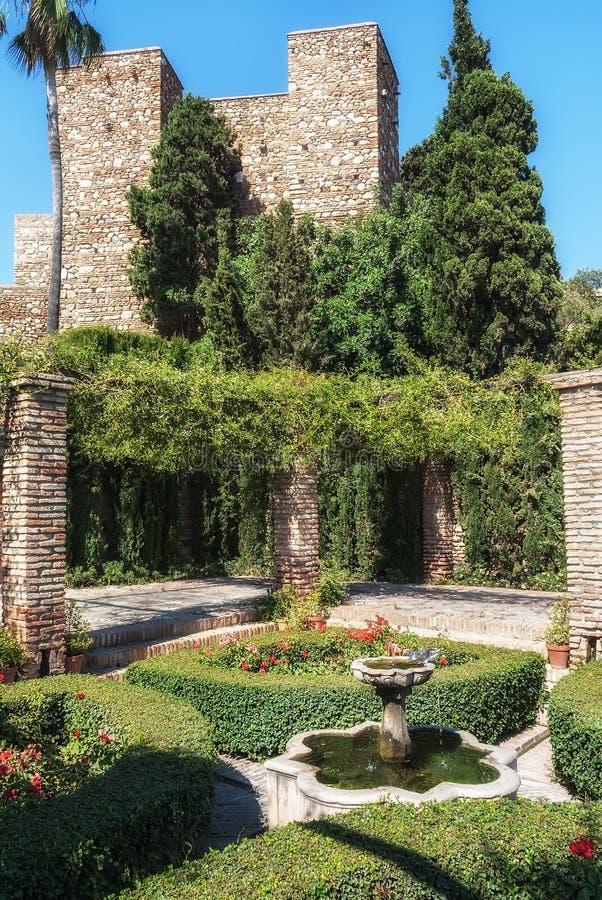 Brunnen in den Gärten des Alcazaba von Màlaga lizenzfreies stockfoto