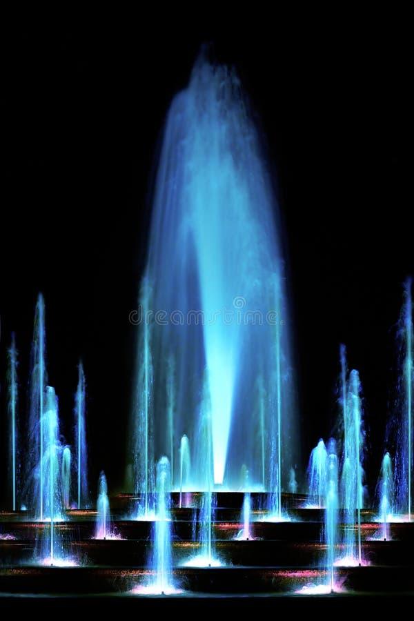 Brunnen des blauen Wassers stockfotos