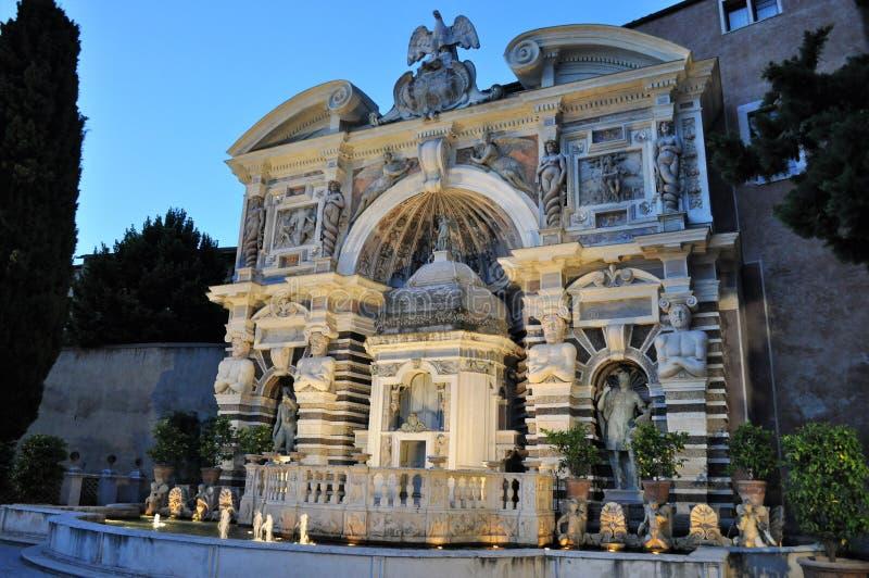 Brunnen des Organs - Landhaus d ` Este stockbilder
