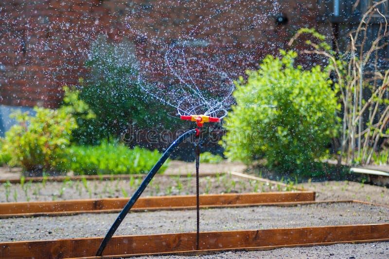 Brunnen für die Gartenbewässerung lizenzfreie stockfotos