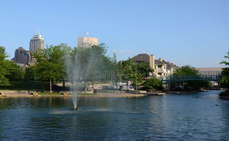 Brunnen Indianapolis im Kanal-Weg stockbilder