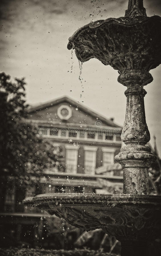 Brunnen in Jackson Square Park, New Orleans lizenzfreies stockbild