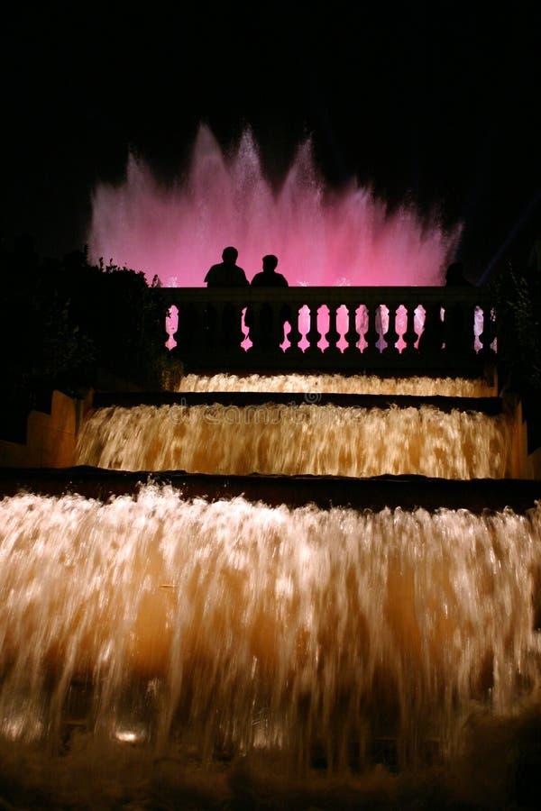 Brunnen-Leuchten lizenzfreie stockfotos