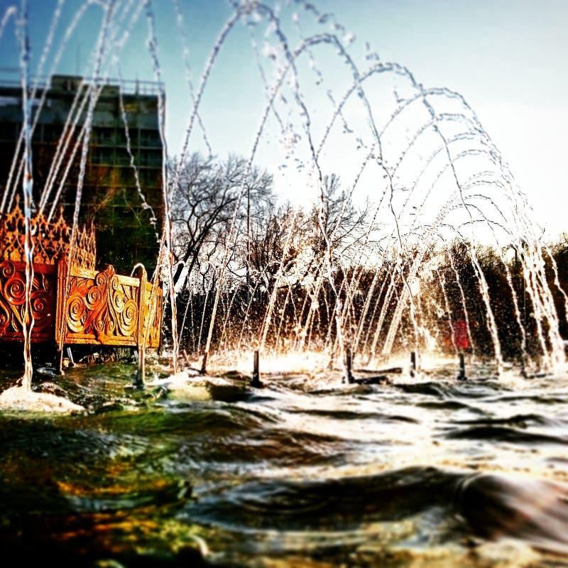 Brunnen, Strom stockbilder