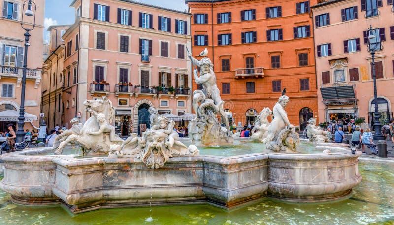 Brunnen von Neptun im Marktplatz Navona - Rom, Italien stockbild