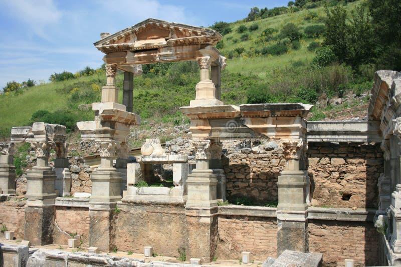 Brunnen von Trajan in der altgriechischen Stadt Ephesus lizenzfreies stockfoto