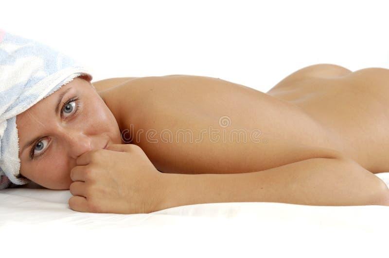 brunnsortkvinna royaltyfri fotografi