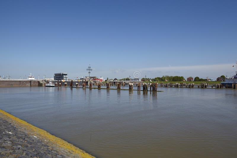 Brunsbuettel - Lockage aan Kiel Canal (nord-Ostsee-Kanaal) royalty-vrije stock foto