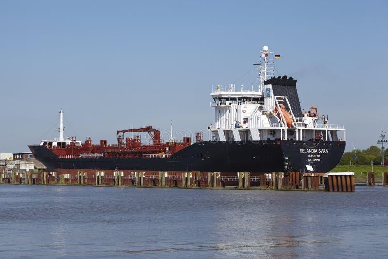 Brunsbuettel - nave portacontainer al lockage immagine stock