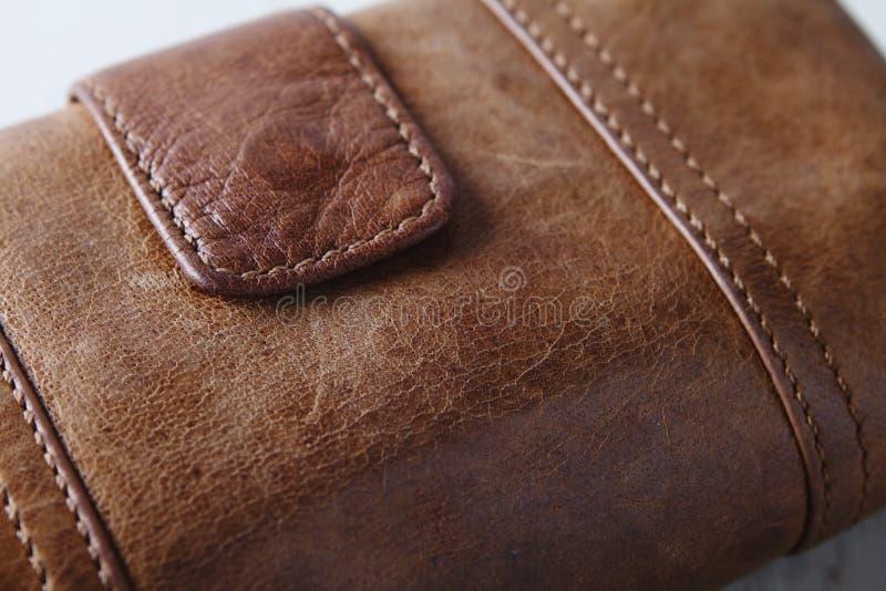Brunt slut för läderhandväskaplånbok upp arkivbild