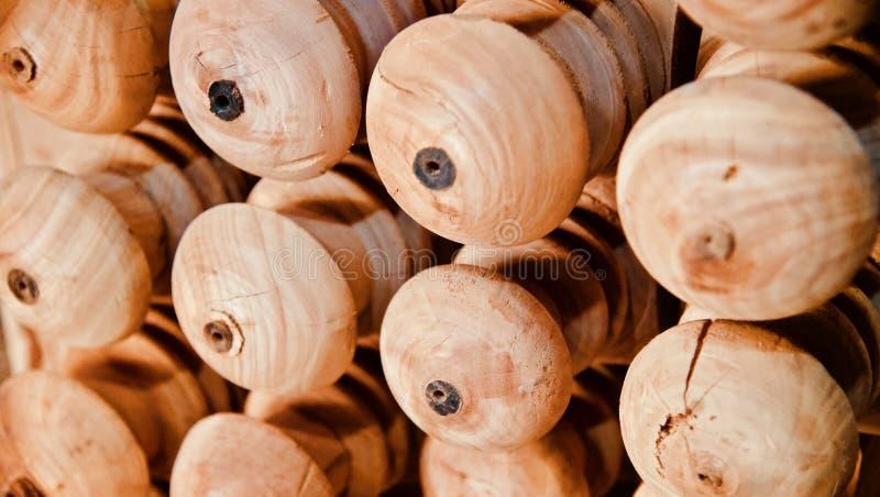 Brunt träobjekt för rund form arkivfoto