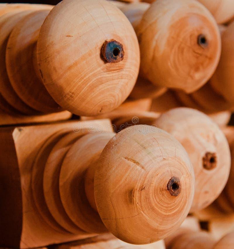 Brunt träobjekt för rund form royaltyfria bilder