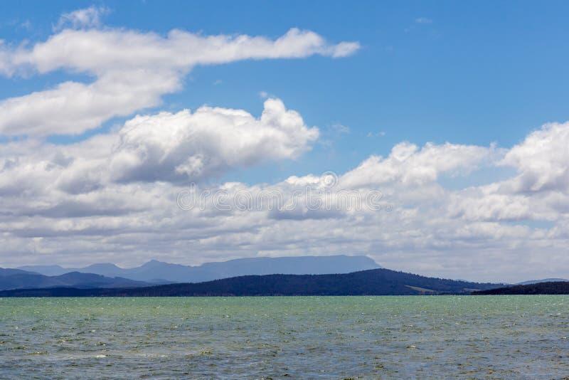 Bruny wyspa, Tasmania z górą Wellington i sypialny piękno w backgrou, obraz royalty free