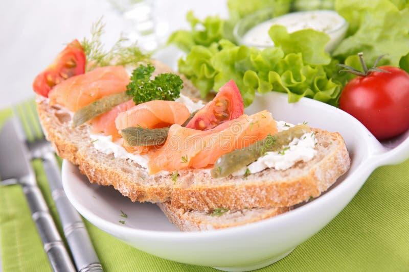 Bruschetta con los salmones foto de archivo libre de regalías