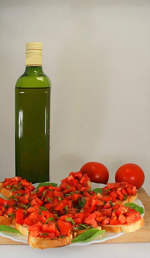 Download Bruschetta Italiano Con Aceite De Oliva Foto de archivo - Imagen de salud, botella: 100530460