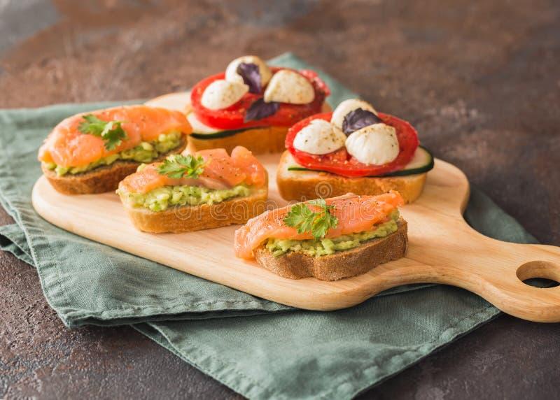 Bruschetta saudável dos alimentos frescos imagem de stock