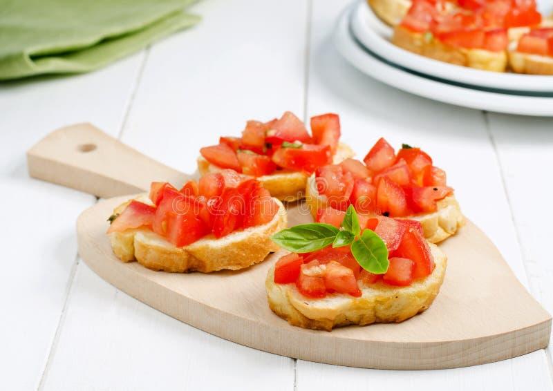 Bruschette avec la tomate photographie stock libre de droits
