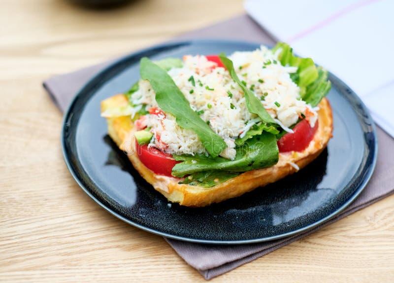 Download Bruschette De Crabe Dans Le Restaurant Photo stock - Image du hors, antipasti: 76084288